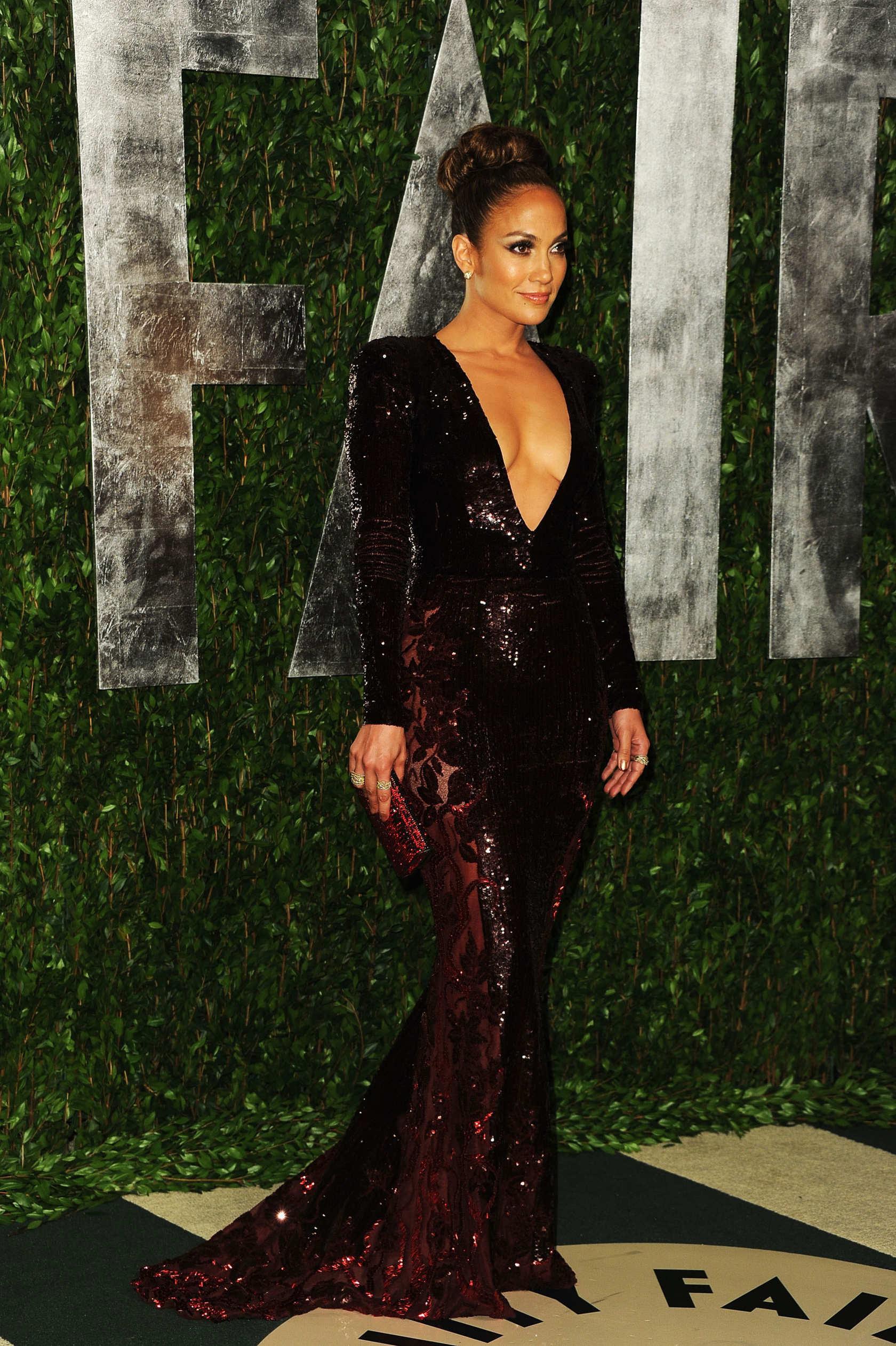 Jennifer Lopez at the Vanity Fair Oscars Party - Fug Girls - The Cut