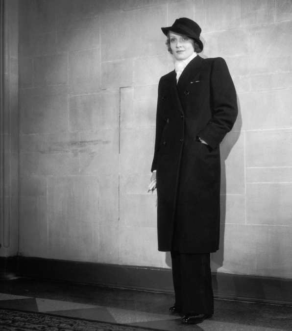 Photo 1 from At the Biltmore Theatre in Los Angeles for the premiere of  Sign of the Cross, January 23, 1932