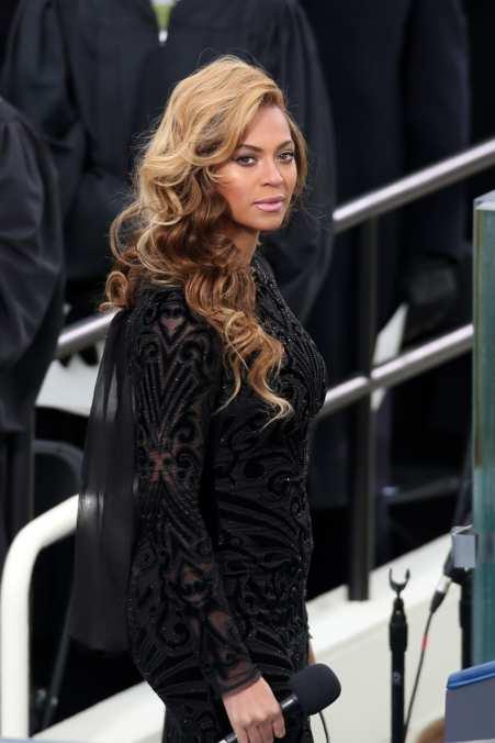 Photo 9 from Beyoncé sans Dior coat